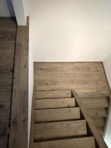 vinylové schody, obložení schodiště vinylem