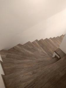 vinylove-schody-yes-interier-2